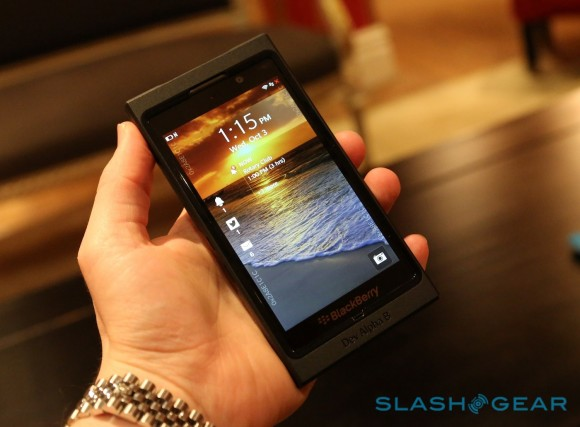 blackberry_10_dev_alpha_b_hands-on_32-580x4272
