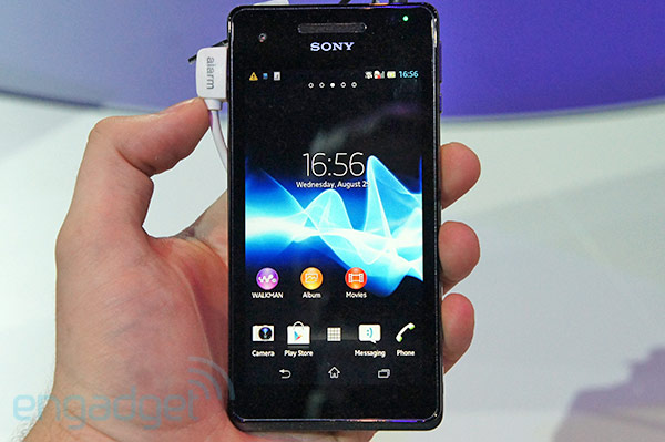 Sony Xperia V hands-on