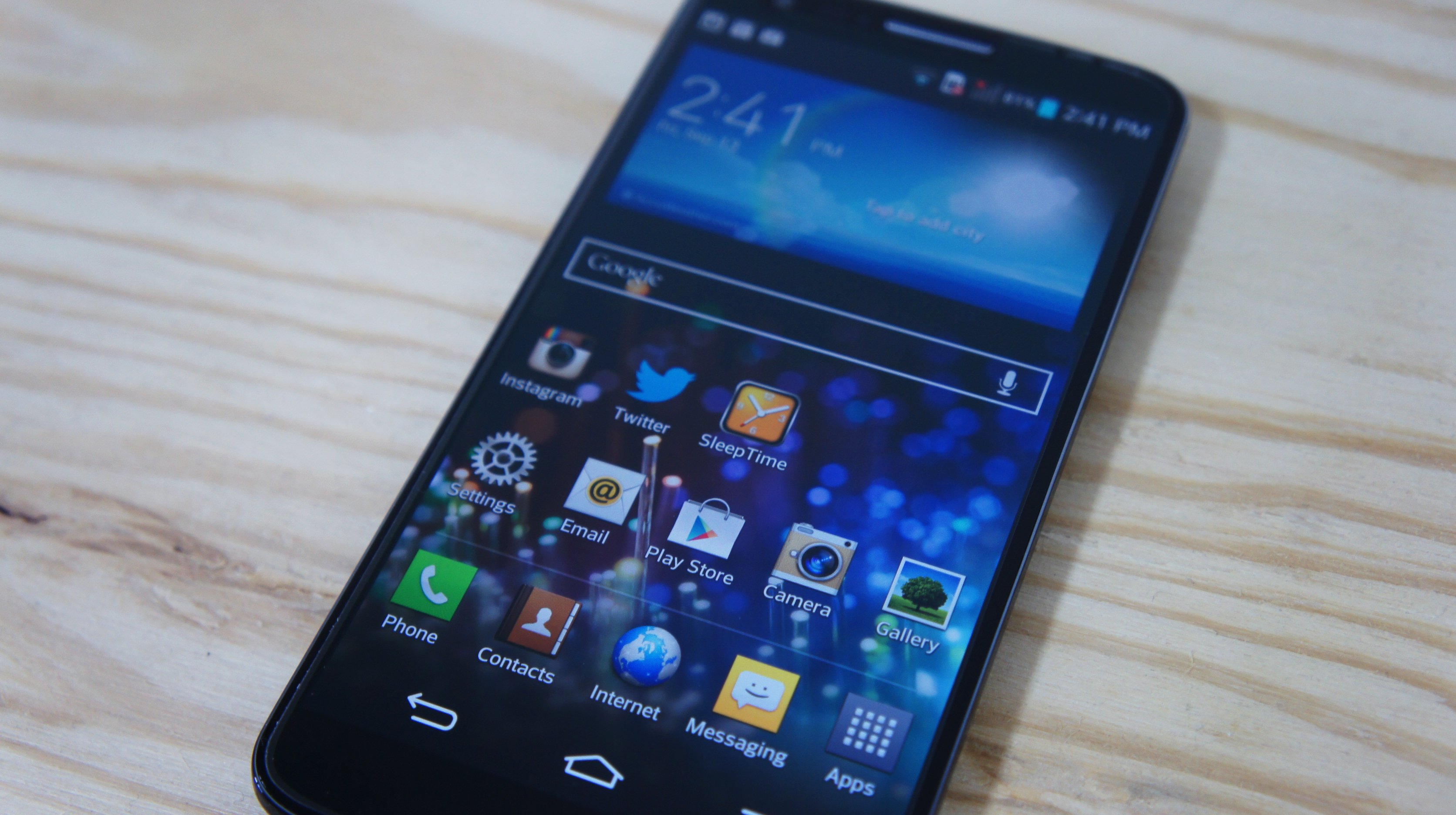 LG G2 Front