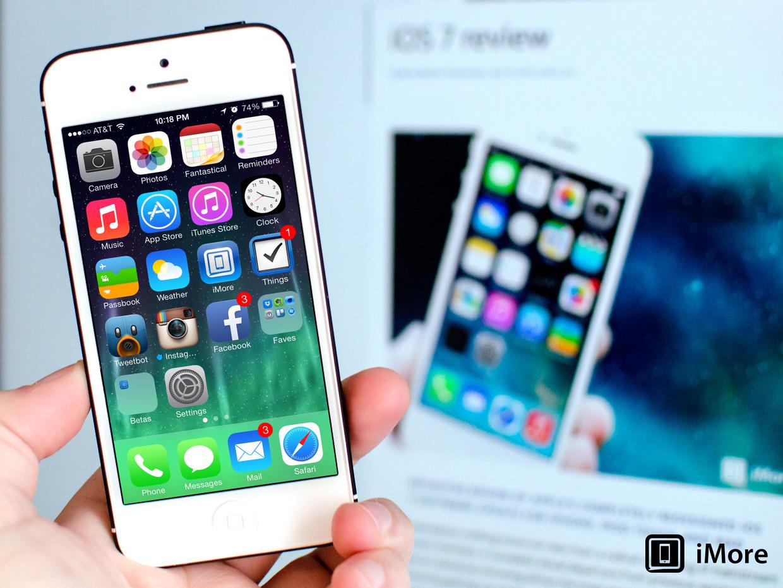 ios_7_review_home_screen_iphone_hero
