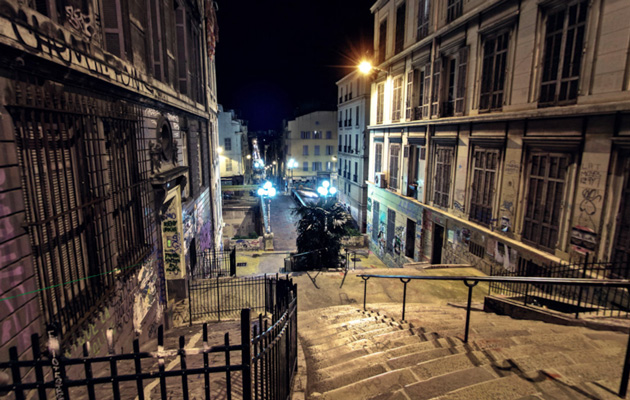 safely tour marseille 39 s back streets after dark with google night walk aivanet. Black Bedroom Furniture Sets. Home Design Ideas
