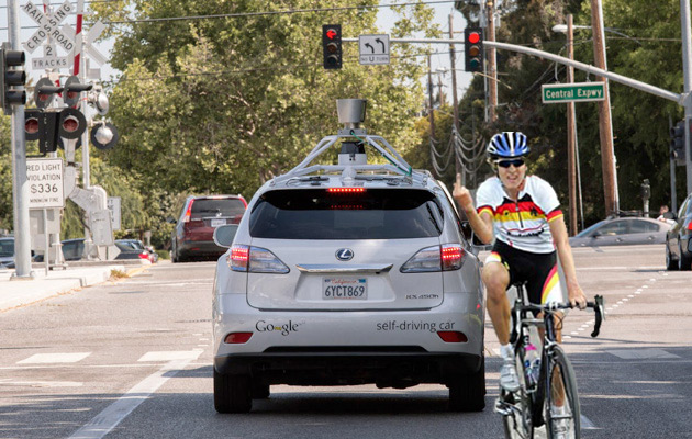 google 39 s self driving cars can now understand cyclists 39 gestures aivanet. Black Bedroom Furniture Sets. Home Design Ideas