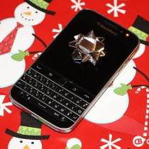 BlackBerry-Classic-Holiday-Contest1