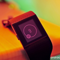 fitbit-surge-macro-colors_1024-hero3