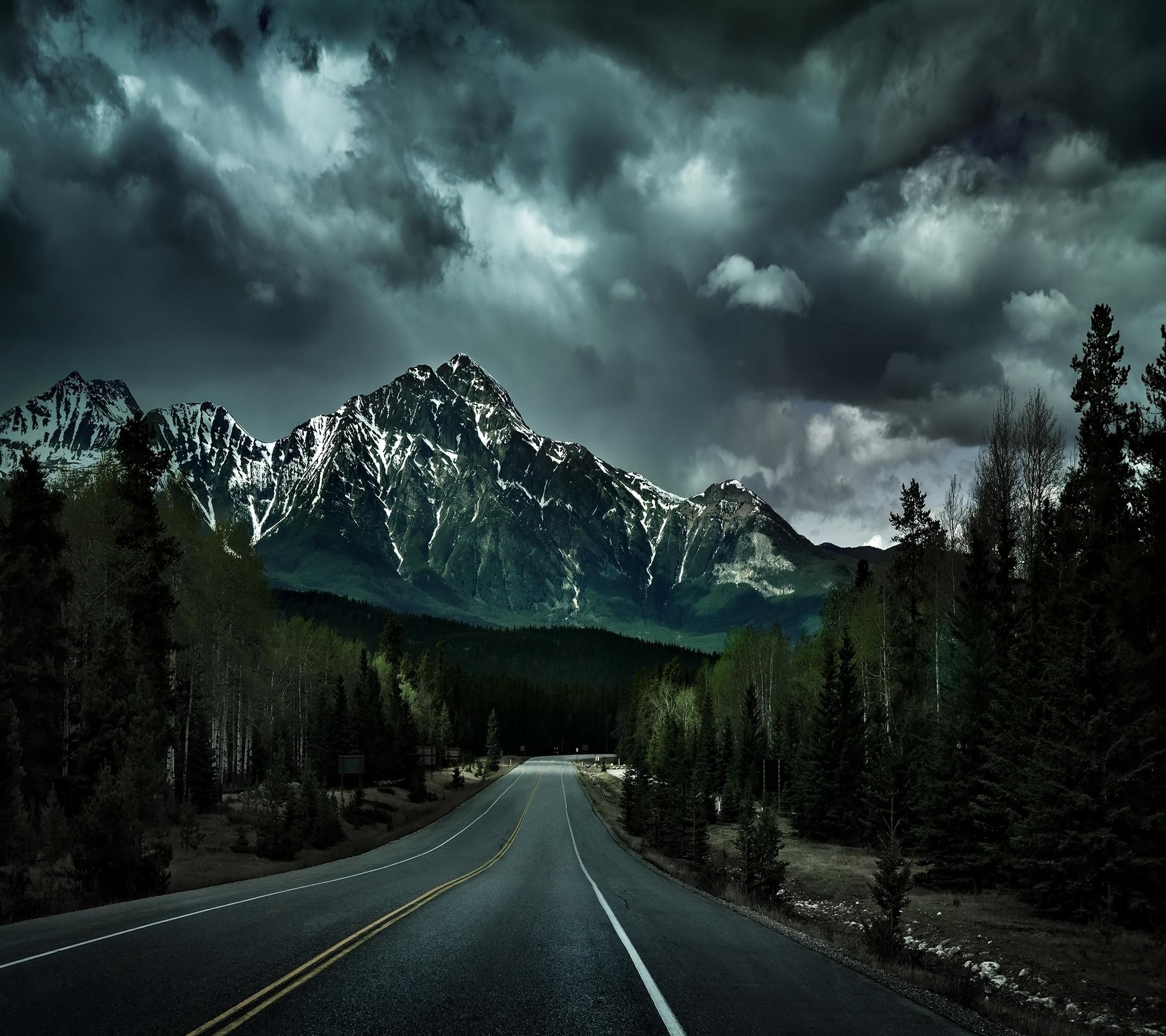 RoadMountain1