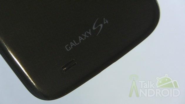 Samsung_Galaxy_S_4_Back_Bottom_GS4_Logo_TA-630x3541