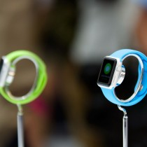 apple-watch-sport-stands-demo1