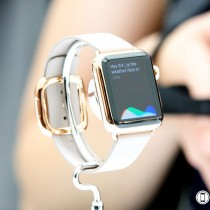 apple_watch_gold_white_siri_hero3