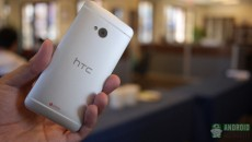 htc-one-vs-sony-xperia-z-on-design-back-in-hand-aa1