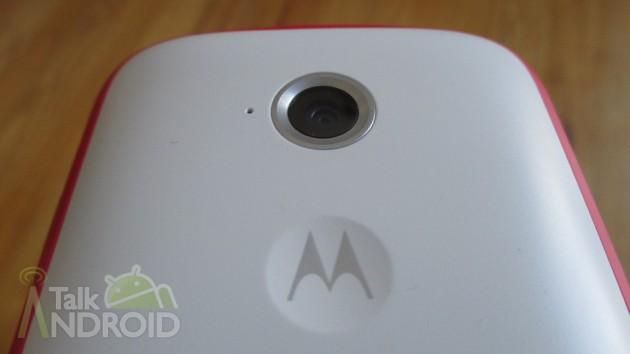 Moto_E_Back_Motorola_Logo_Camera_Lens_TA-630x3541