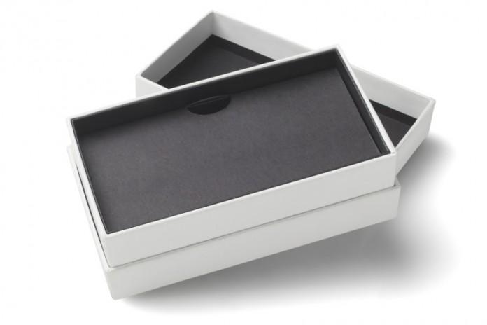 Empty-Smartphone-Cardboard-Packaging-840x5601