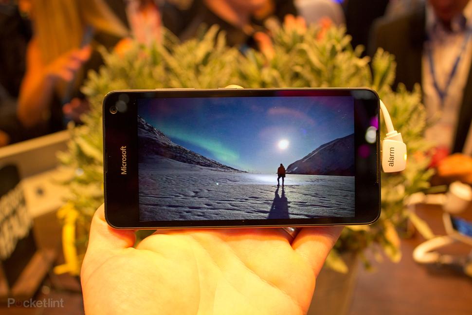 Microsoft Lumia 650 hands-on-003