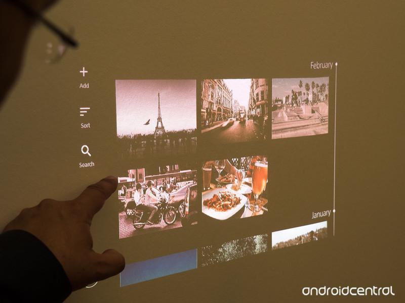 xperia-projector-2.jpg?itok=J0UY1VRX