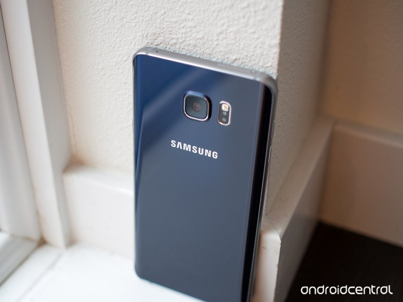 galaxy-note-5-blue-back-vertical.jpg?ito
