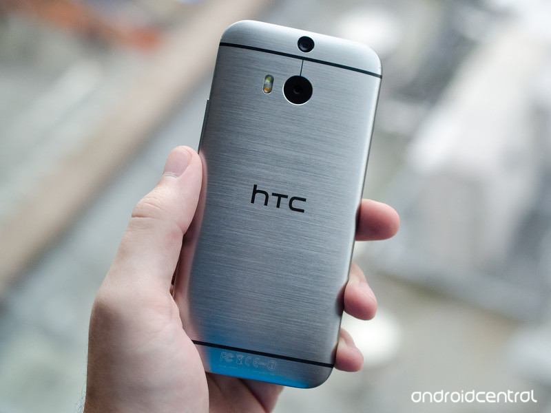 htc-one-m8-back-hand.jpg?itok=dycJsJf5