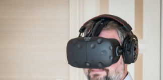 HTC plans to bundle and sell its Vive VR headset with optimized PCs