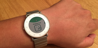 Pebble Time snags jumbo emoji, expands in-app language support
