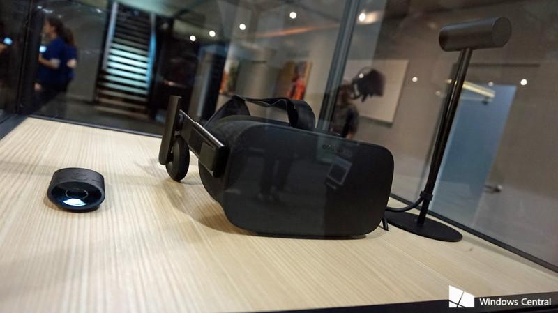 Oculus_Bundle_GDC.jpg?itok=uos_ckXD
