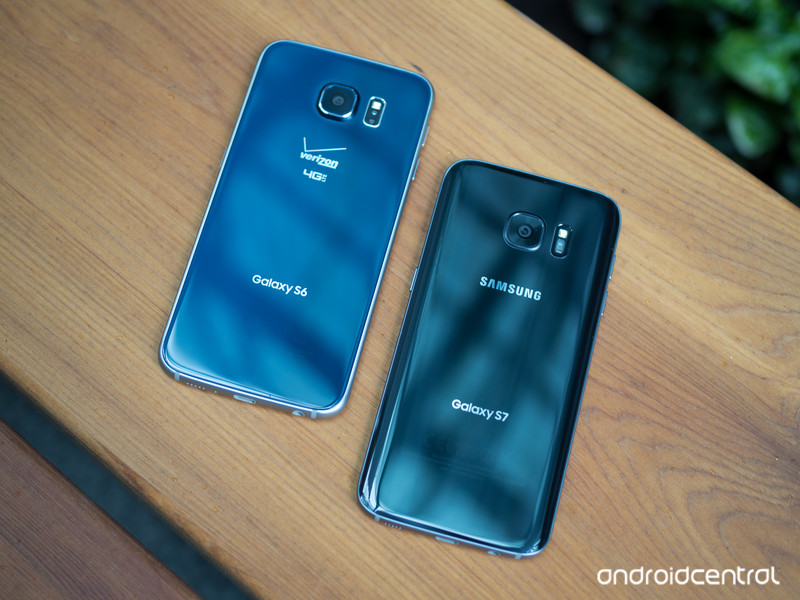 galaxy-s7-black-s6-blue-backs.jpg?itok=j