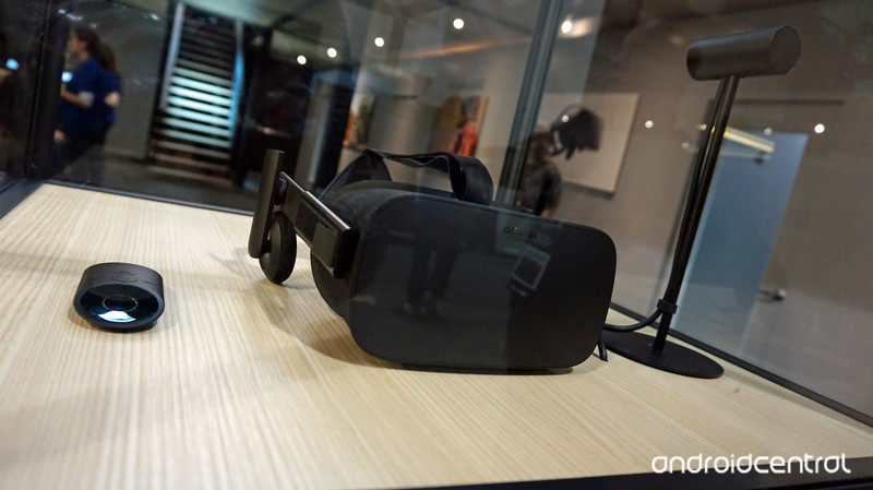 Oculus_Bundle_GDC.jpg?itok=mCgZybLg