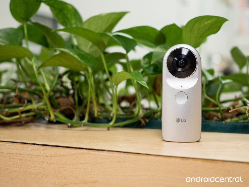 lg-360-cam-review.jpg?itok=HQgNmsuC