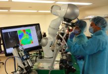 Surgical robot could sew you up better than a doctor