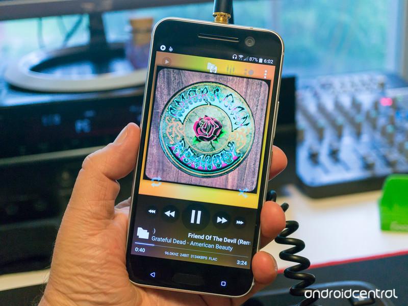 HTC10-BoomSound-3.jpg?itok=zaEL9vQg