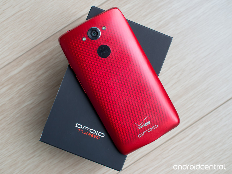 droid-turbo-retail-box.jpg?itok=NWBEIpOz