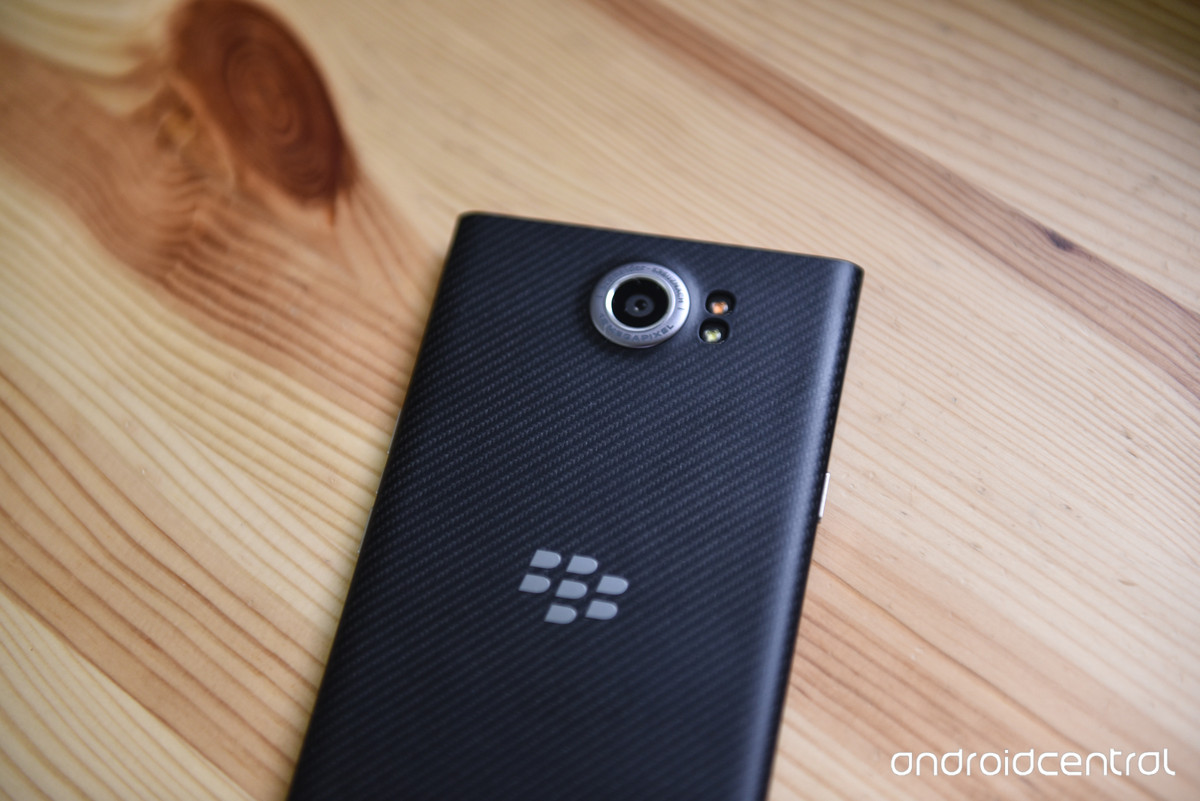 AT&T pushes Marshmallow update to BlackBerry Priv - AIVAnet