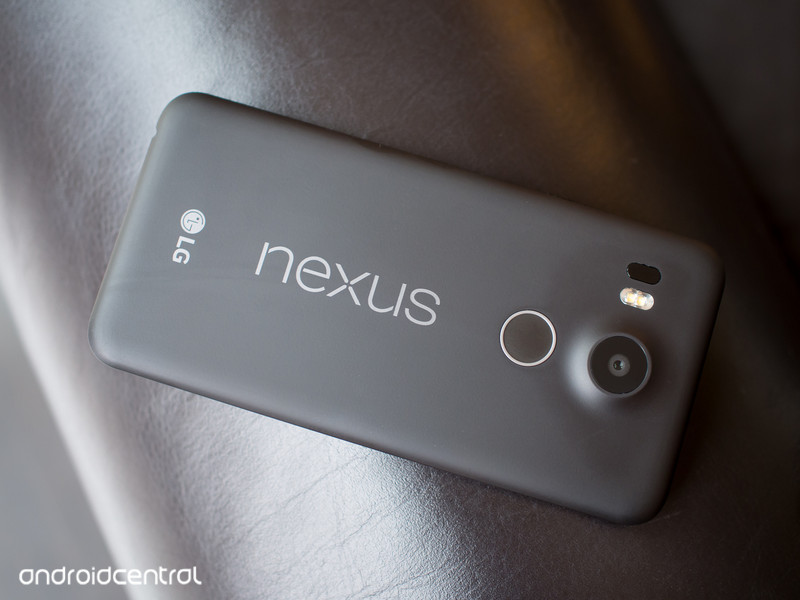 nexus-5x-black-back-angle.jpg?itok=lvNAv