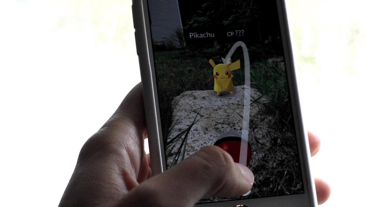 catch-pikachu-pokemon-go-hero2.jpg?itok=