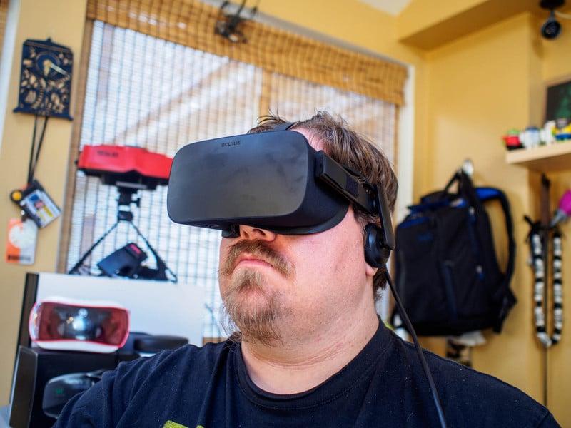 oculus-rift-hero.jpg?itok=dhMxnIvQ