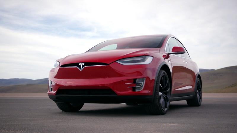 model-x-red-front-low-desert-motor-trend