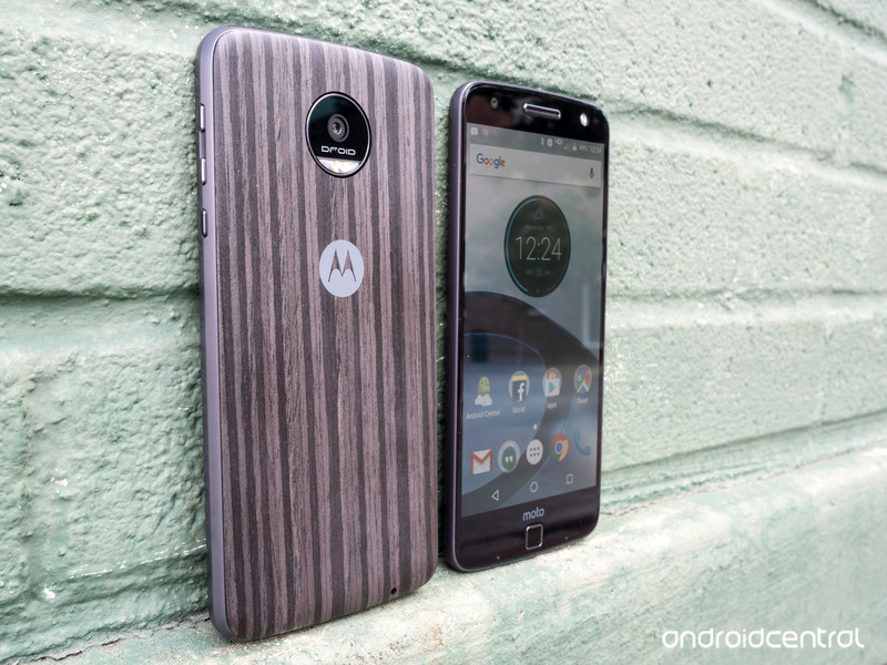 moto-z-droid-review-27.jpg?itok=UDTkfENz