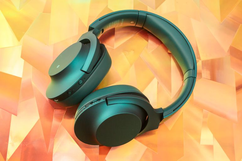 sony-hear-on-wireless-noise-canceling-headphones-teal-15.jpg