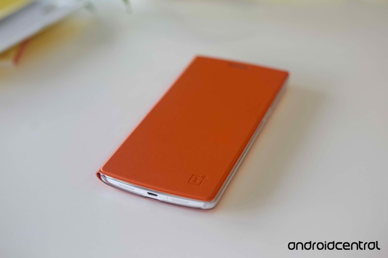 OnePlus_One_Flip_Cover.jpg?itok=nUA1ml_r