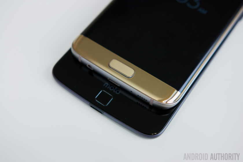 Motorola Moto Z vs Samsung Galaxy S7 Edge-8