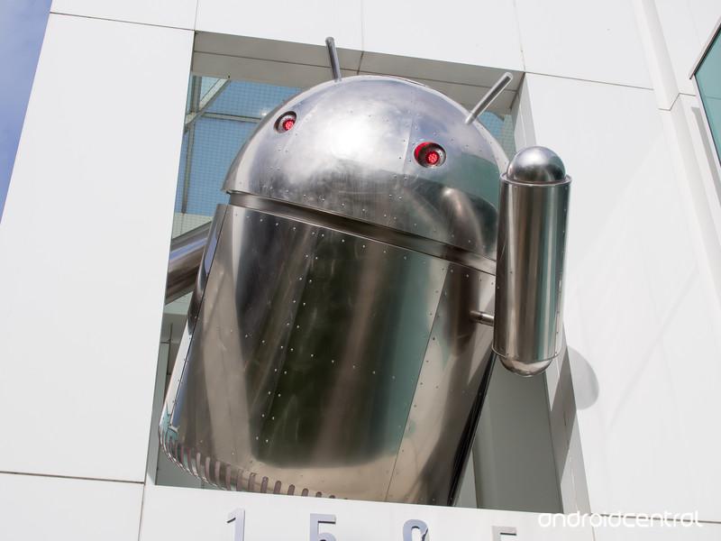 chrome-android-statue.jpg?itok=TR7547hk