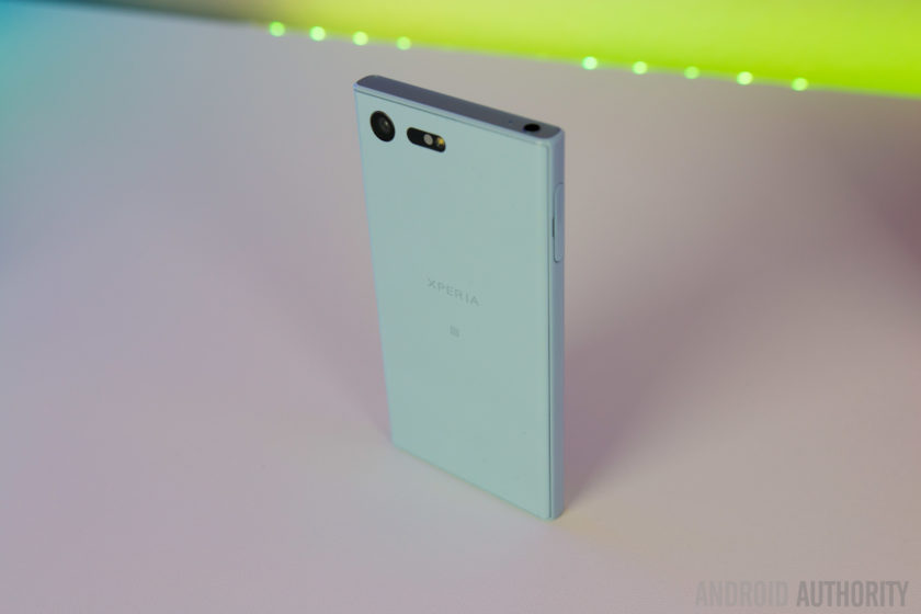 Sony Xperia X Compact Review-4