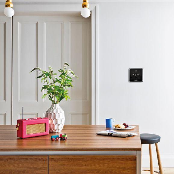 honeywell-lyric-t5-wi-fi-thermostat-3small.jpg