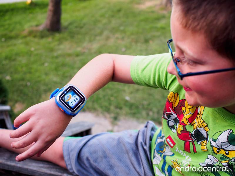 smartwatch-kids.jpg?itok=ihdjAX1d