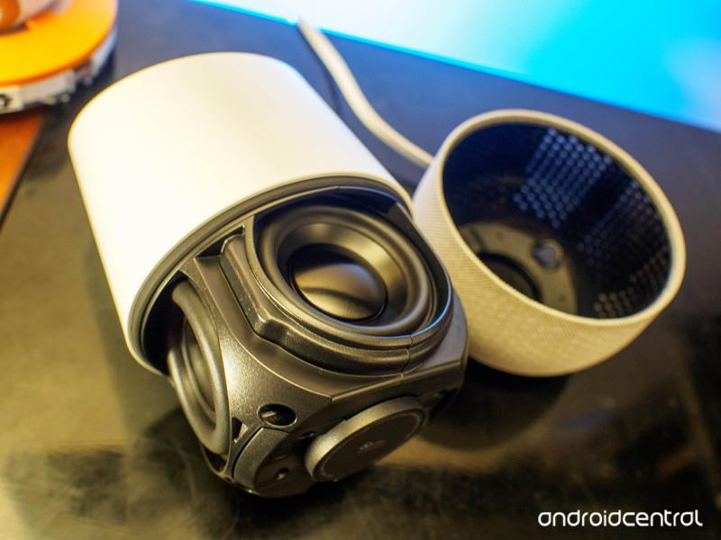 google-home-speaker.jpg?itok=gMrQ6Wiu