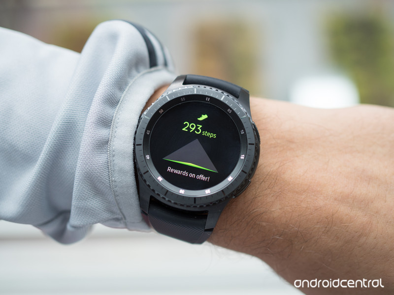gear-s3-frontier-fitness.jpg?itok=Q7cm_d