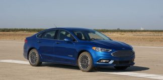 2017 Ford Fusion Hybrid review     - Roadshow