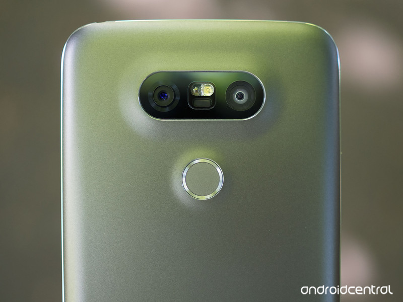 lg-g5-uk-2.jpg?itok=Bj_yk9DS