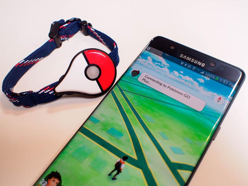 pokemon-go-plus-connecting.jpg?itok=P1IC