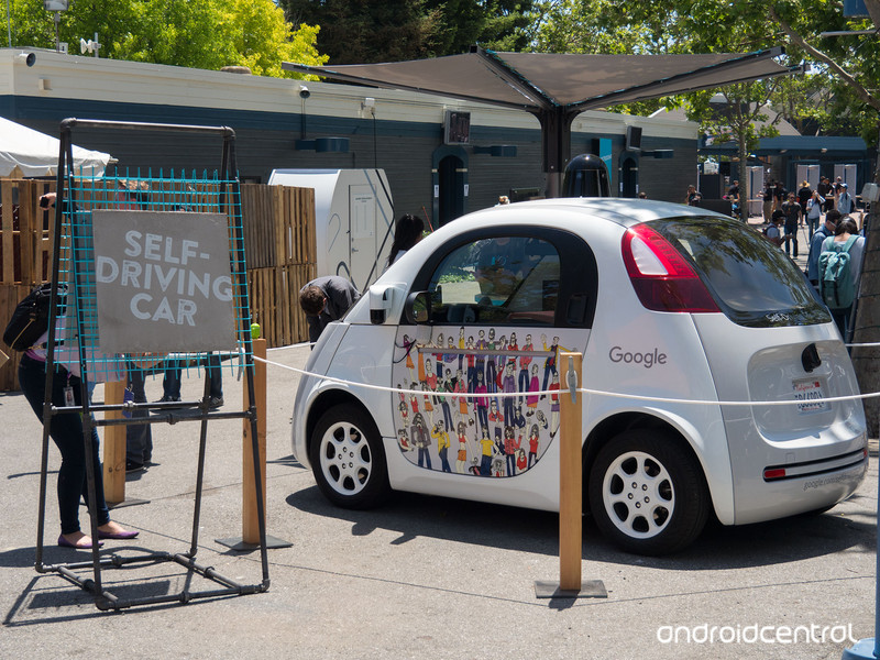 io16-self-driving-car-1.jpg?itok=-EEc-7n