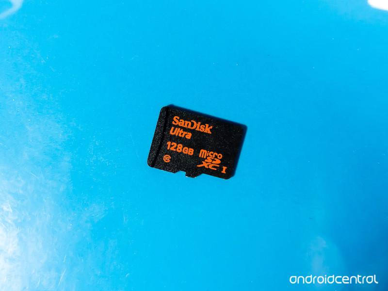 Sandisk-128GB-SDcard.jpg?itok=5nS9yK6i