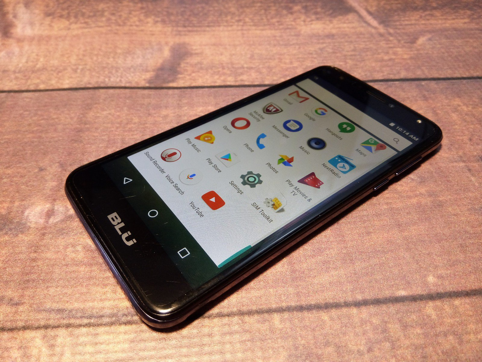 Blu Life Max hands on and early impressions | AIVAnet