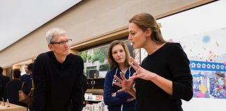 Tim Cook Visits 'Kitchen Stories' Developers and Furniture Maker Dula on German Trip